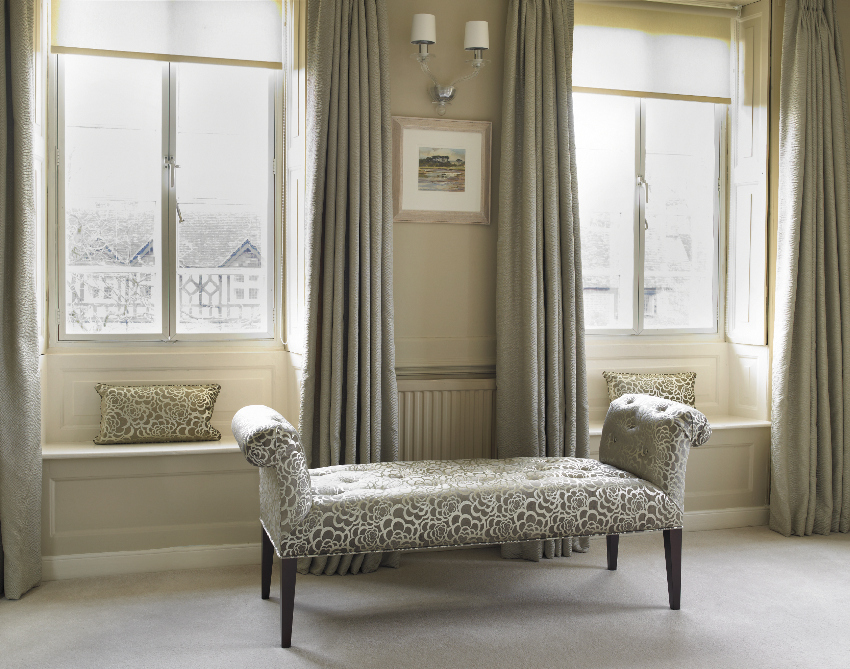 Chaise longue_silk curtains