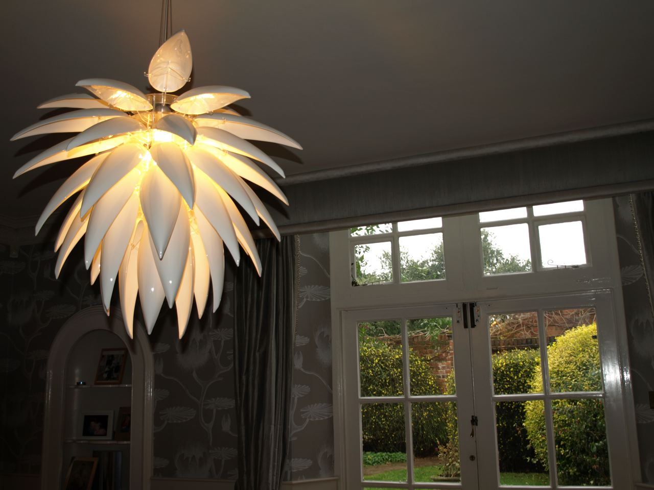 Blossom pendant light_lily wallpaper